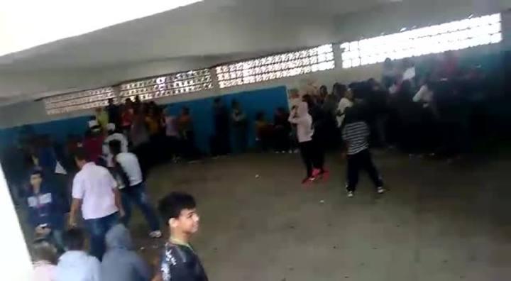 Alunos denunciam agressão de policiais durante protesto em escola