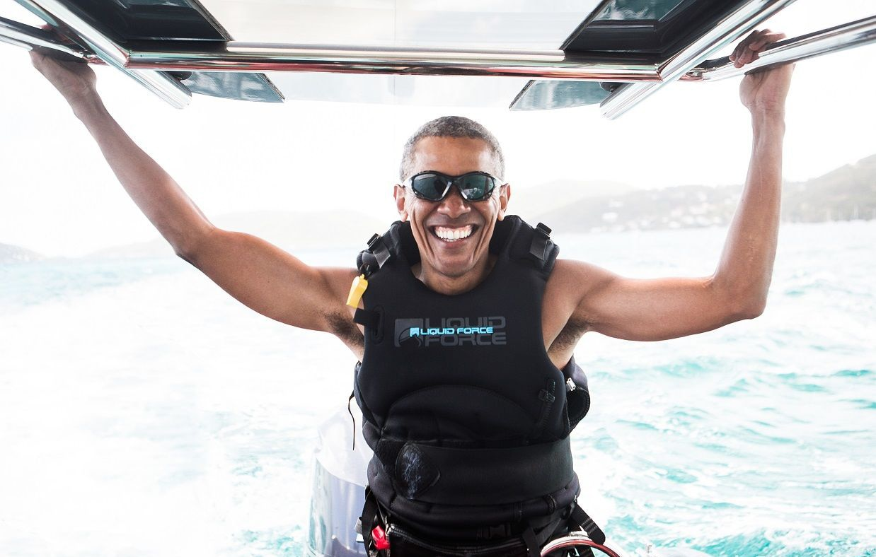 Obama aproveita férias em ilha paradisíaca