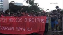 Índios protestam contra a PEC 215
