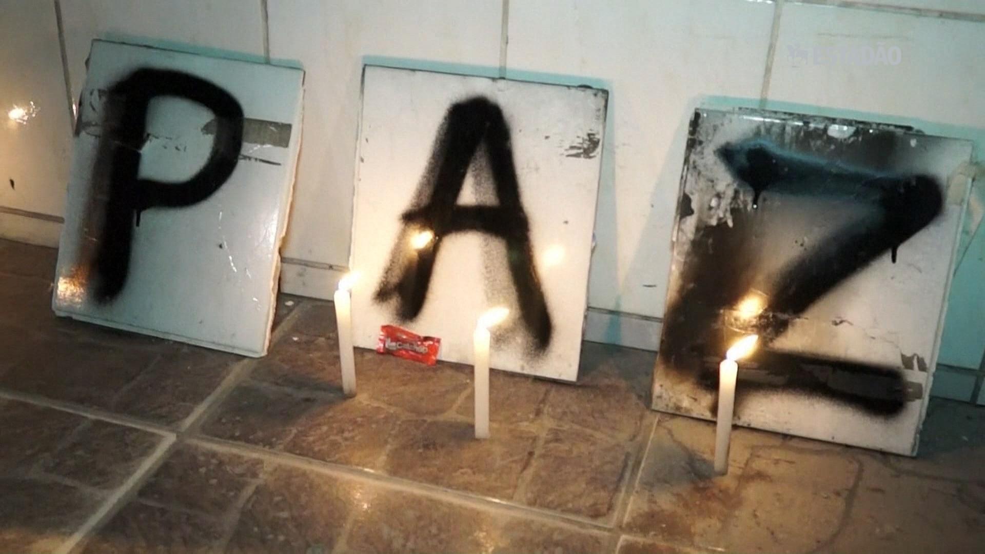 Familiares prestam homenagem às vítimas de ataques em São Paulo