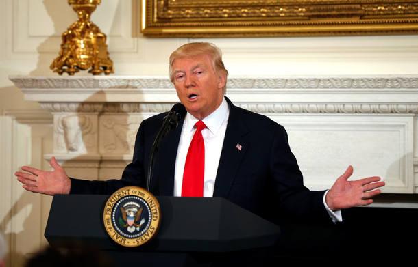 Donald Trump discursa na Casa Branca