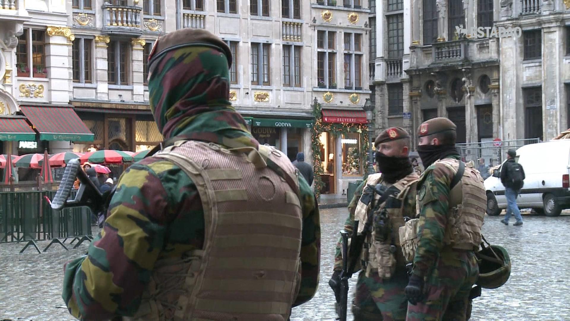 Bruxelas mantém alerta máximo antiterrorista