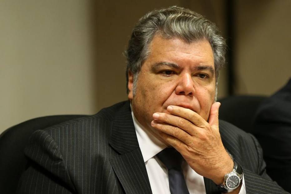 Sarney Filho culpa governo do PT por aumento do desmatamento e por corte no repasse da Noruega