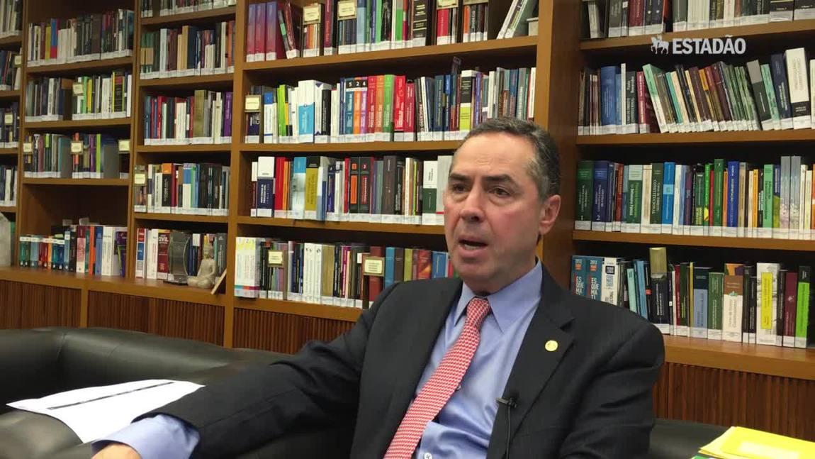 'Precisamos fazer uma revolução no modo como o Judiciário funciona', diz ministro Luís Roberto Barroso