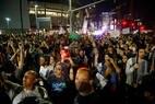 Centenas de americanos protestam contra a eleição de Donald Trump em Los Angeles