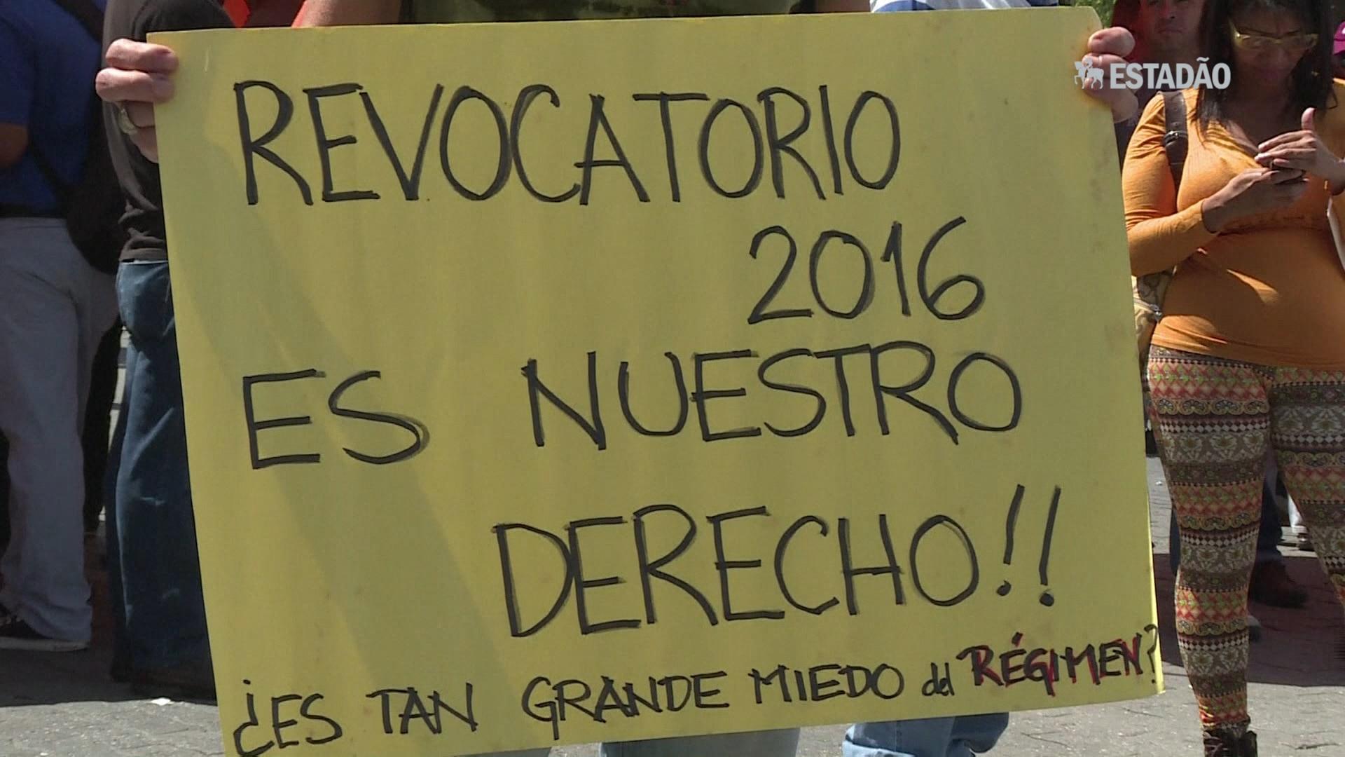Oposição venezuelana protesta por revogatório contra Maduro