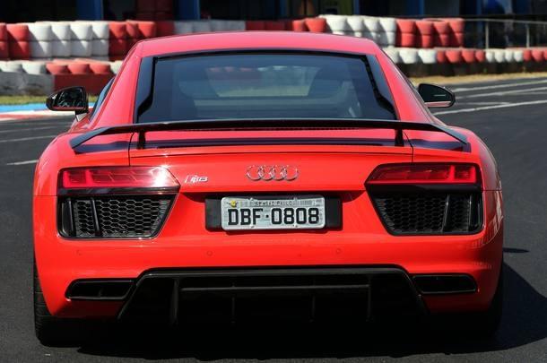 Mercedes AMG GT-R x Audi R8