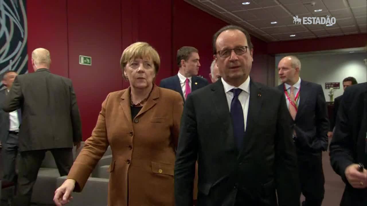 """Merkel: """"temos de falar com Assad"""""""