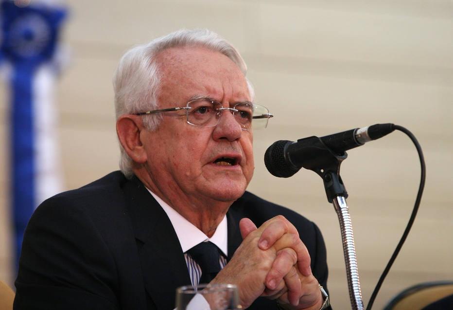 Velloso diz que dá resposta hoje ao presidente
