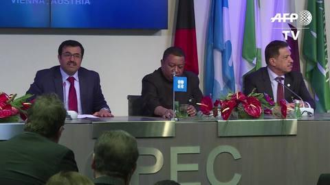 Opep alcança acordo para reduzir produção de petróleo