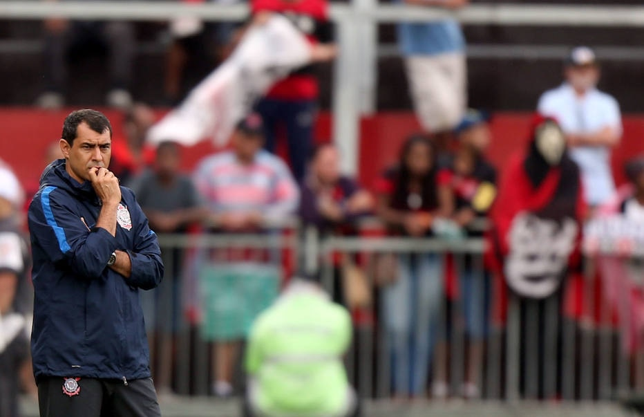 Fábio Carille assume erro por derrota do Corinthians: 'Teve participação minha'