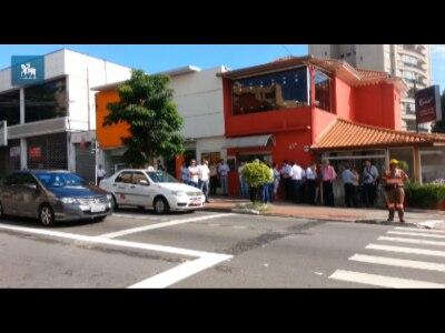 Primeiro semáforo exclusivo para ônibus é instalado em São Paulo