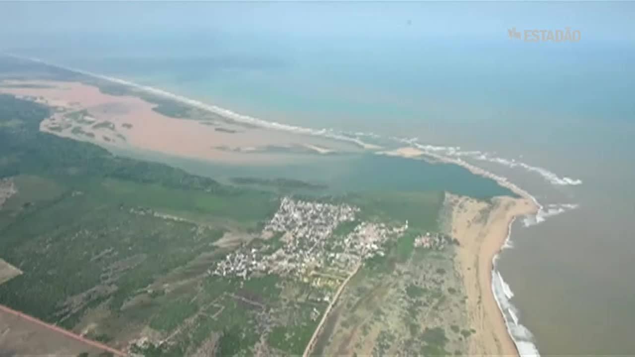 Praias interditadas por causa da lama