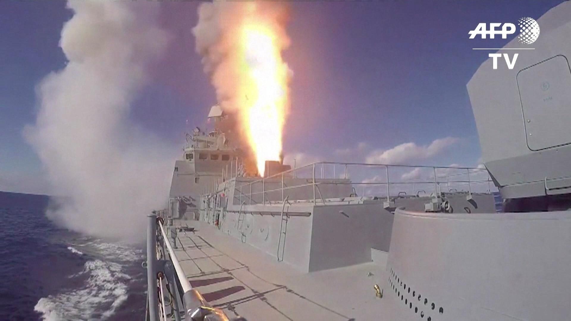 Rússia bombardeia regiões rebeldes na Síria