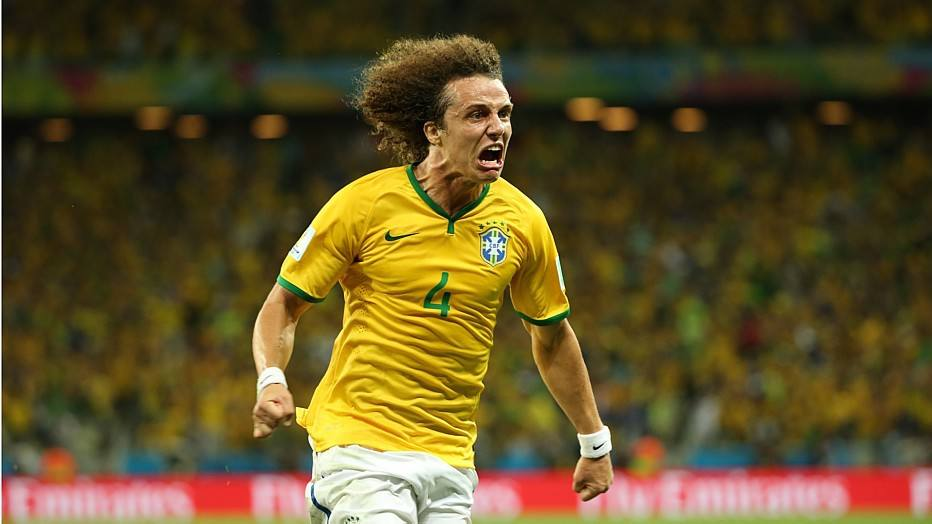 Contra a Colômbia, o Brasil apresentou um futebol melhor e com gols de Thiago Silva e David Luiz, derrotou os sul-americanos por 2 a 1 e avançou às semifinais.