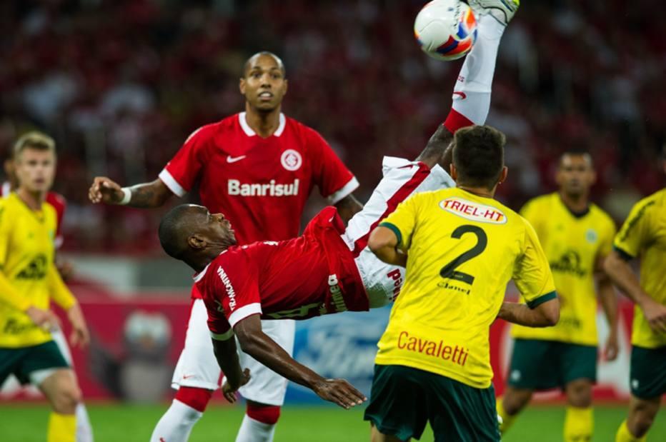 Internacional derrota o Ypiranga por 1 a 0 em jogo adiado do Gaúcho