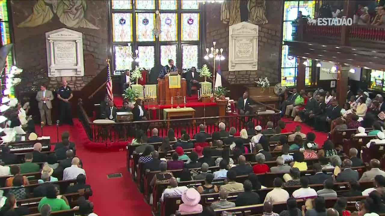 Igreja de Charleston tem primeiro culto após massacre