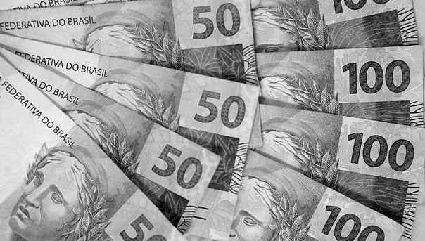 'Família Brasil' tenta reequilibrar as contas
