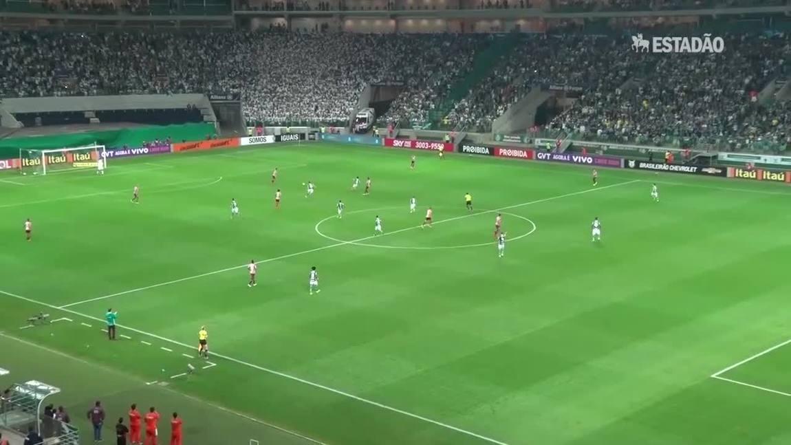Palmeiras bate o São Paulo de virada por 2 a 1