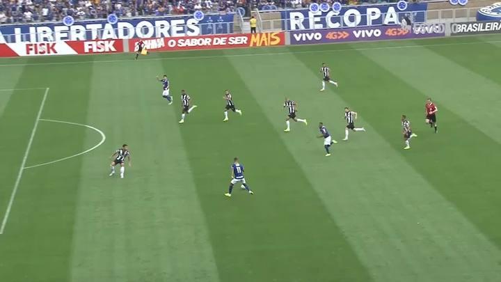 Cruzeiro e Atlético-MG empatam por 1 a 1