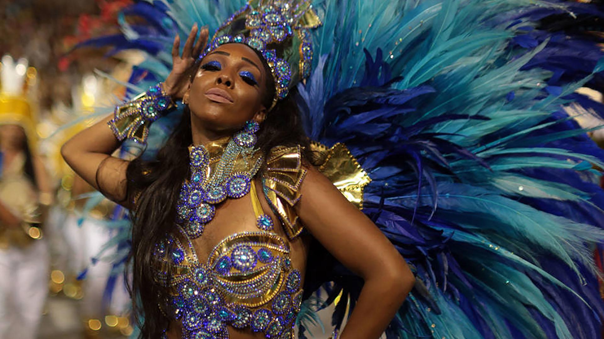 Veja os melhores momentos do desfile da Unidos do Peruche