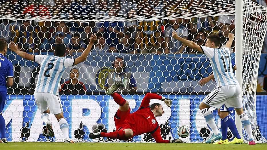 Este foi o gol contra mais rápido da história das Copas, recorde que já tinha sido batido em 2014, por Marcelo, do Brasil.