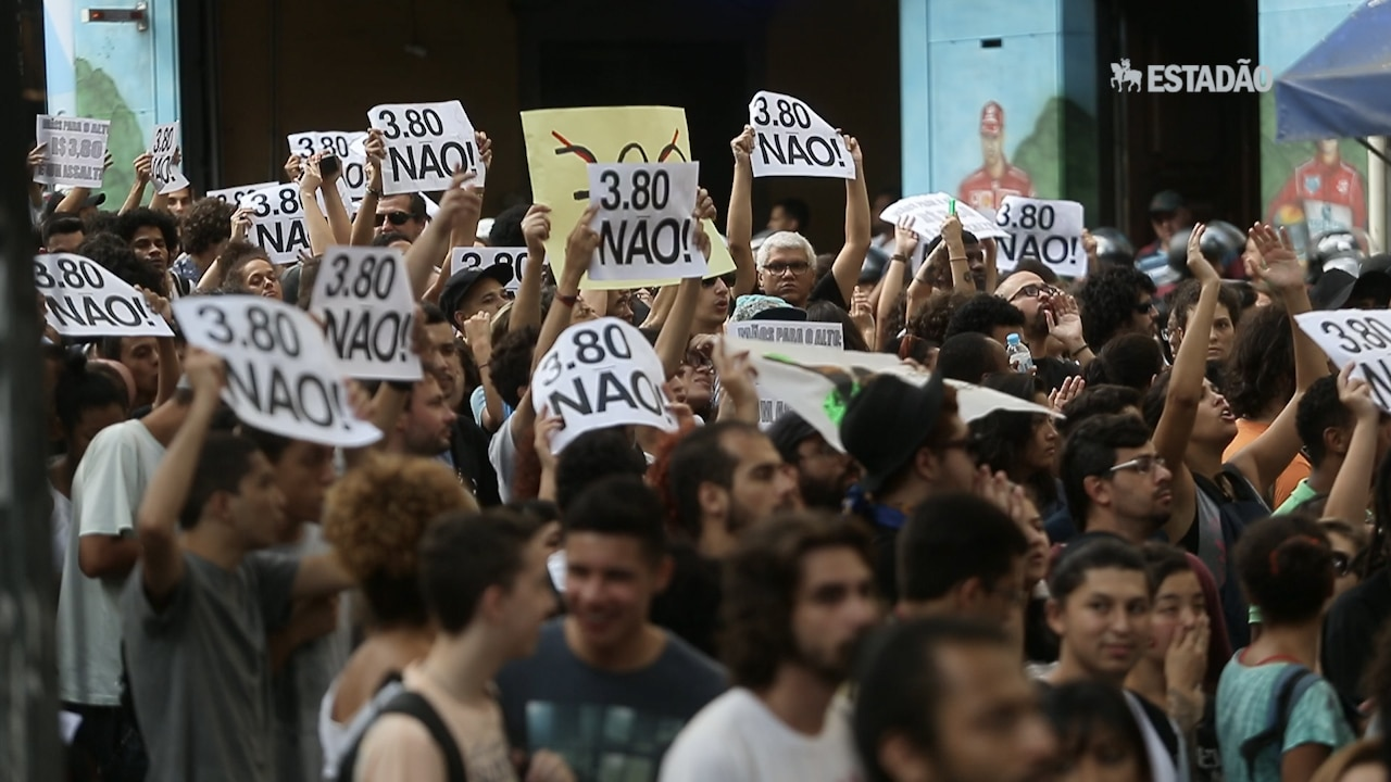 Protesto contra tarifa tem confronto e depredação em SP