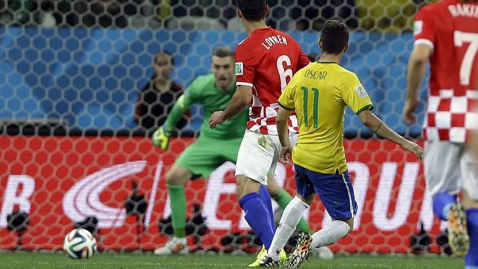 Depois de uma assistência, no primeiro gol e Neymar, Oscar deixou o seu já nos acréscimos do segundo tempo.