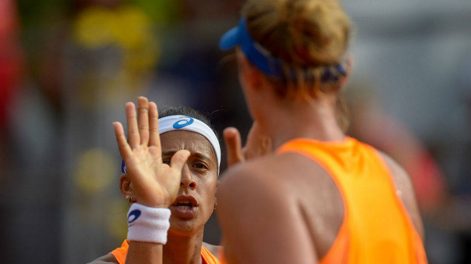A tenista jogou ao lado de Teliana Pereira nas duplas no Rio Open