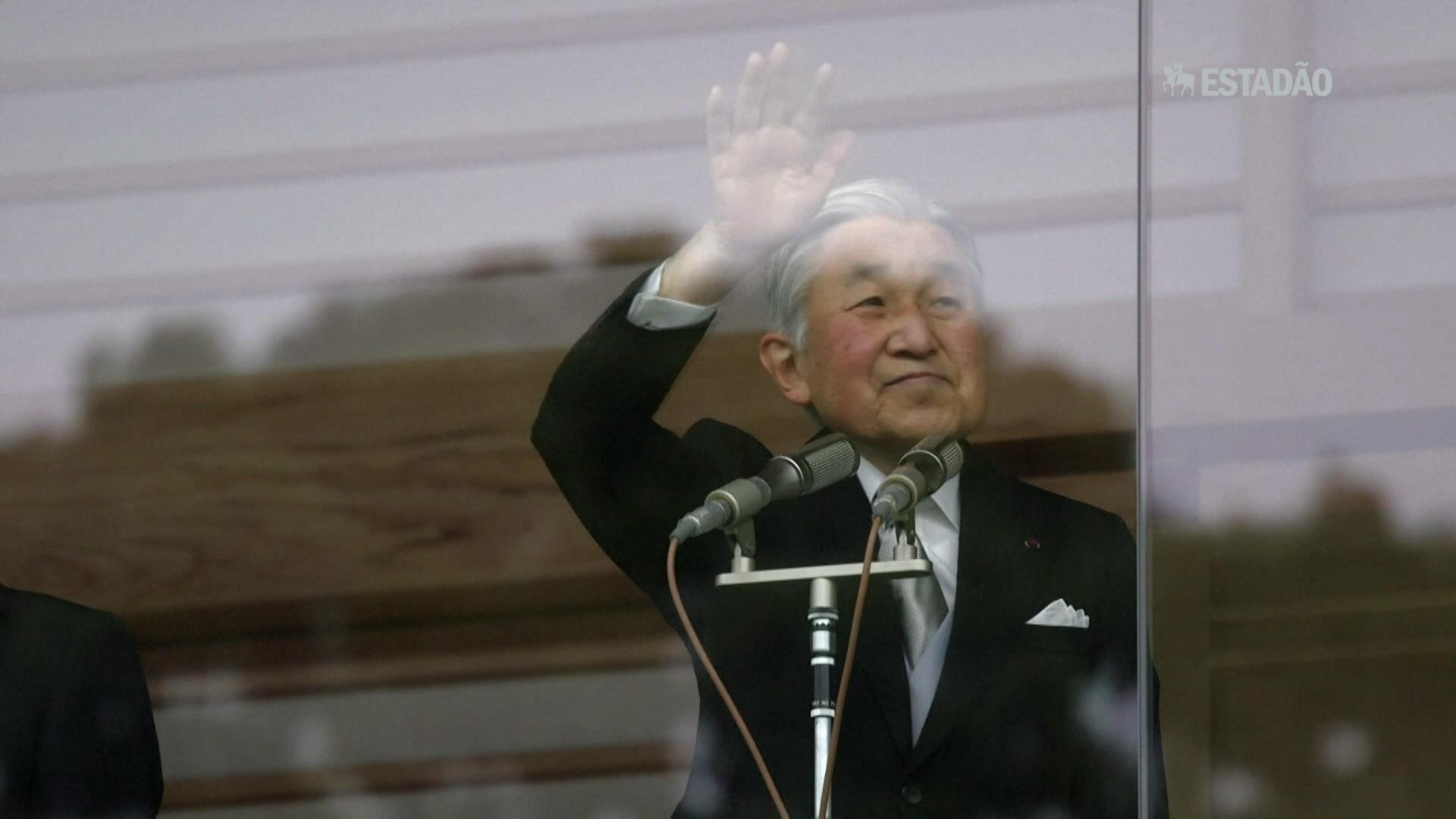 Imperador japonês admite dificuldade para exercer cargo