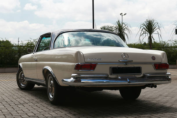 Carro do leitor: Mercedes-Benz 280 SE
