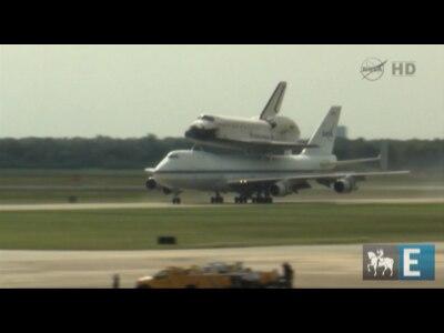 Ônibus espacial Endeavour faz viagem de despedida pelos EUA