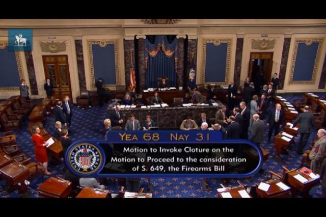 Senado americano aprova debate sobre legislação de armamentos