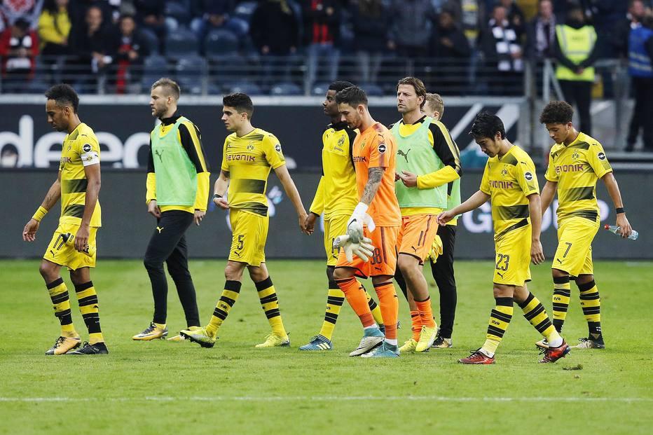 Dortmund abre vantagem, mas vacila e só empata com o Frankfurt no Alemão