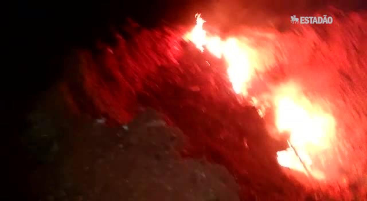 Vídeo mostra os destroços do avião do Bradesco momentos após o desastre que matou dois executivos e dois pilotos