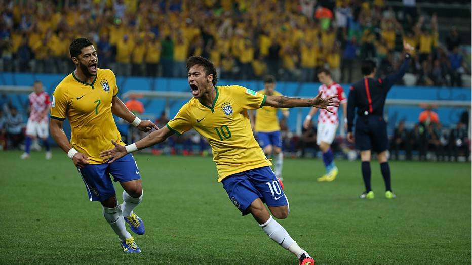 A equipe conseguiu se recuperar e Neymar foi o grande protagonista da partida, marcando dois gols. Oscar fez o outro que garantiu a vitória brasileira por 3 a 1.