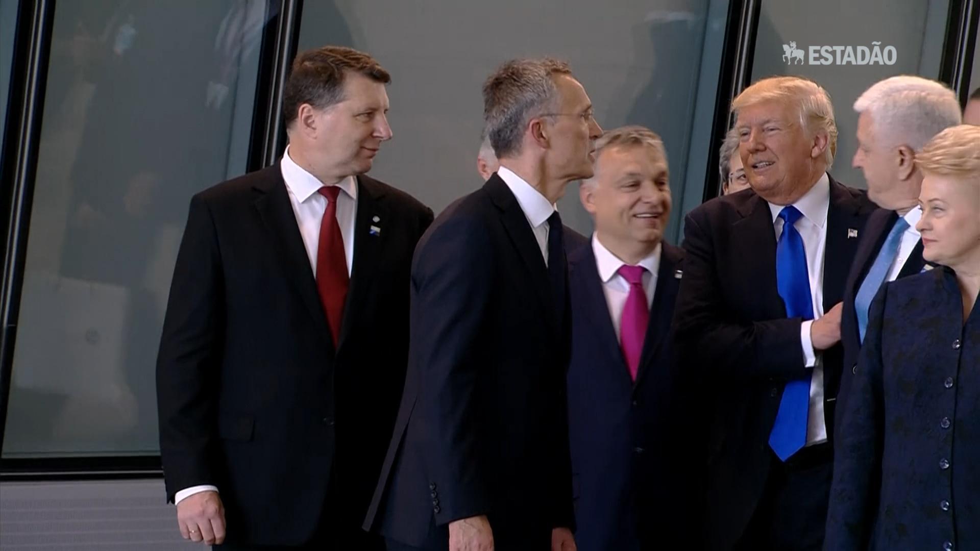 Donald Trump 'empurra' premiê de Montenegro