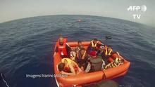 Marinha italiana divulga imagens de resgate de migrantes