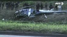 Helicóptero cai durante ataques no Rio