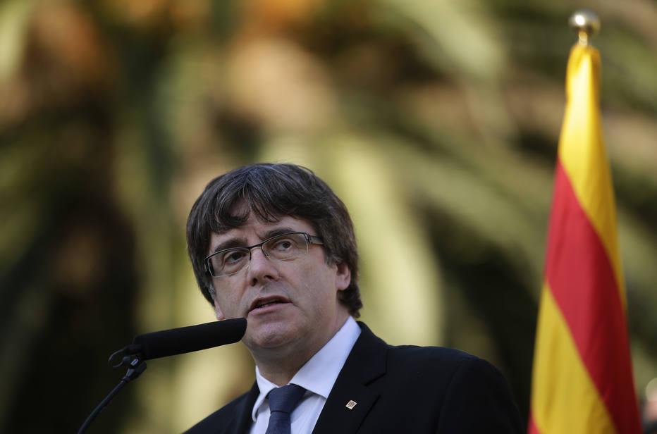 Líder catalão não esclarece se declarou independência e Madri rejeita resposta