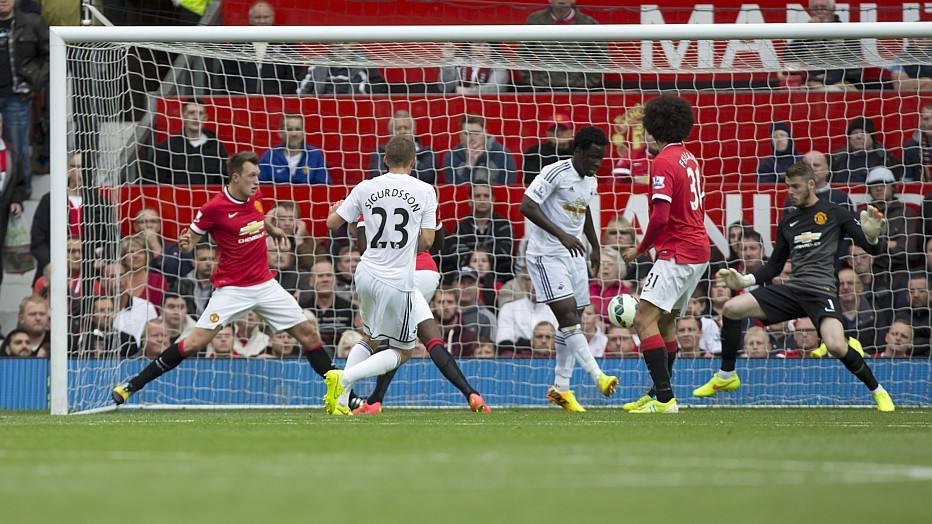 No entanto, Sigurdsson marcou e decretou a derrota do Manchester United, que não perdia em uma estreia de Campeonato Inglês desde 1972.