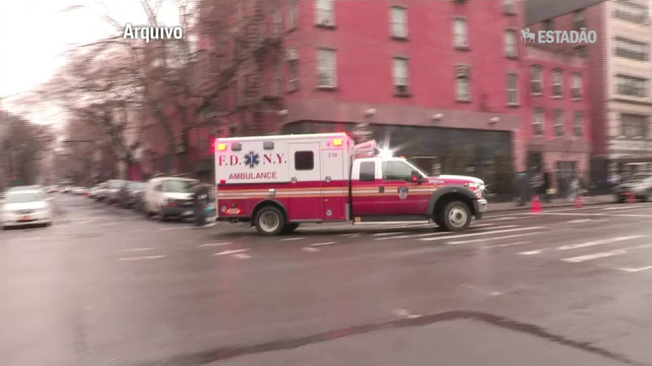 Dois corpos encontrados no local de incêndio em NY