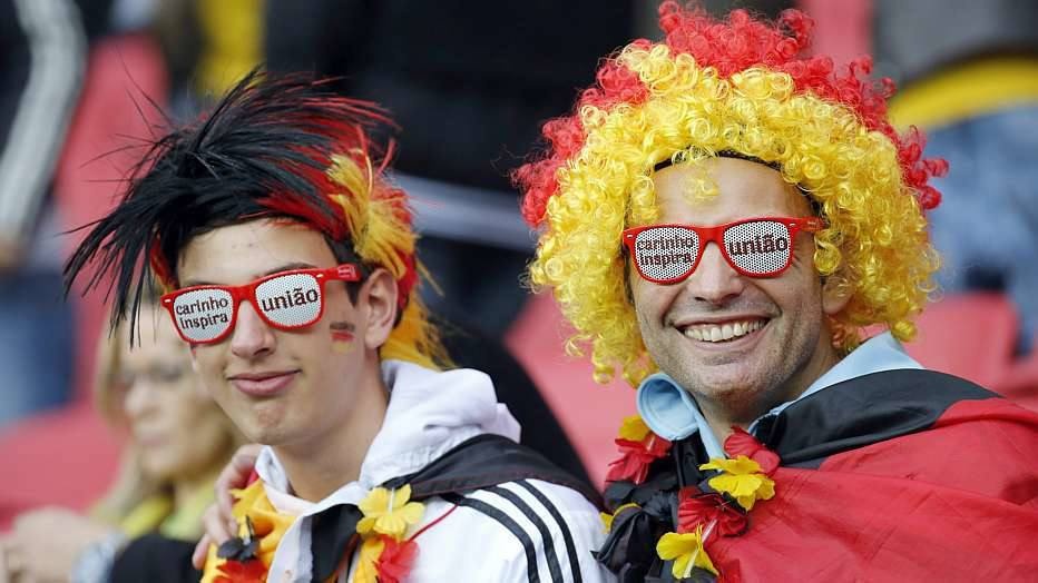 As melhores oportunidades de gol foram da Argélia, mas acabaram nas mãos e nos pés de Manuel Neuer, em dia inspirado.