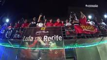 Lula se defende em comício no Recife