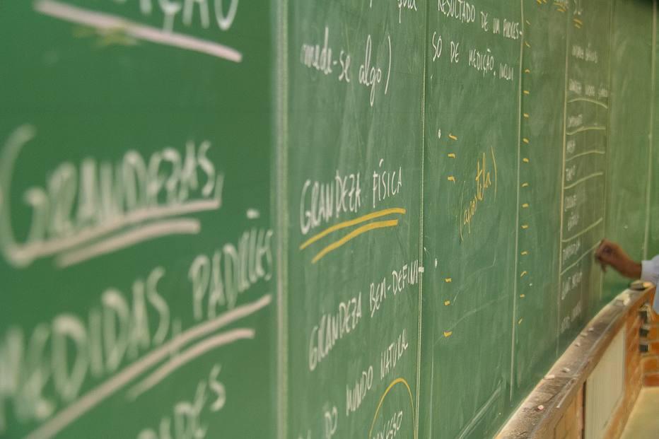 MEC deve punir mais de 900 cursos de ensino superior com mau desempenho