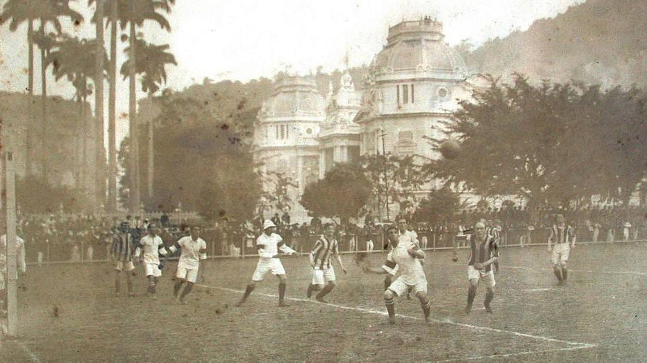Equipe inglesa se orgulha até hoje de ter sido o primeiro adversário do Brasil e organiza festa de centenário da data