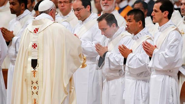Vaticano reforça que gays ou
