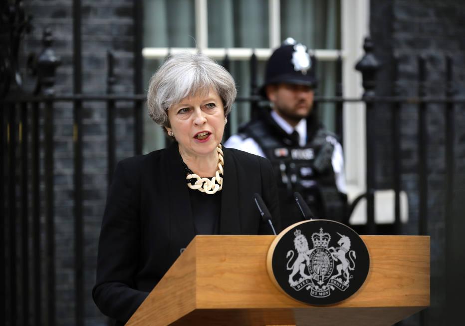 Theresa May faz pronunciamento após ataque terrorista