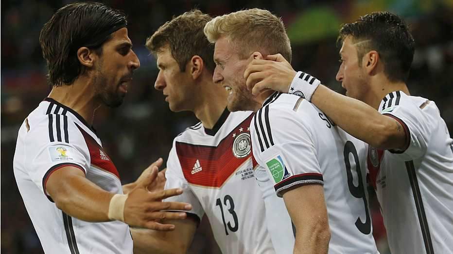 No sofrimento, a Alemanha bateu a Argélia por 2 a 1, na prorrogação, e pega a França nas quartas de final.