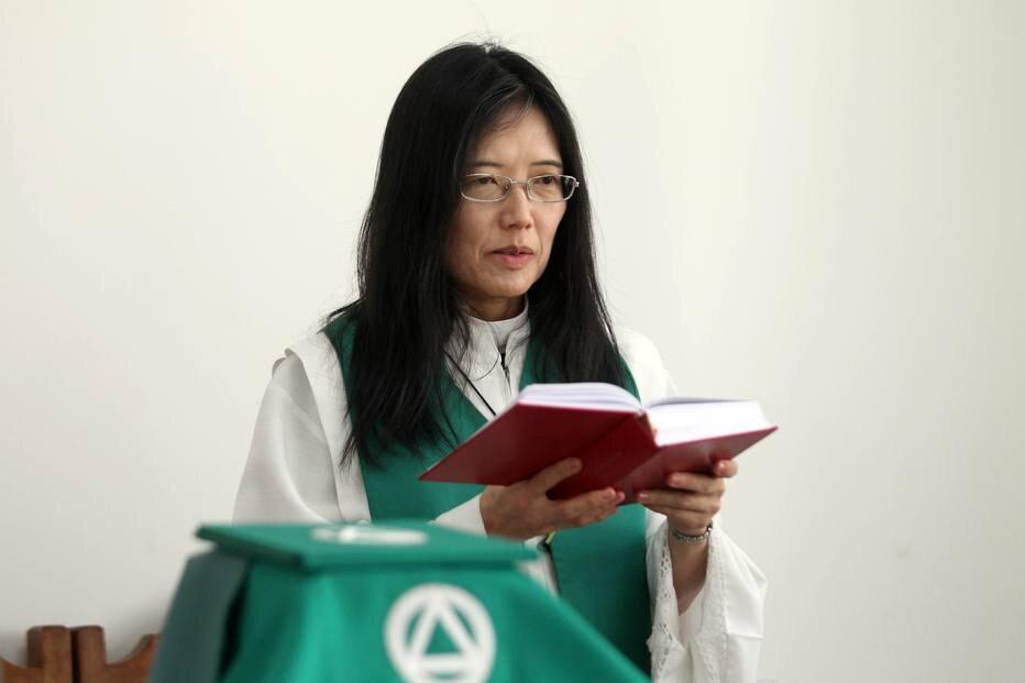Anglicanos conservam traços católicos